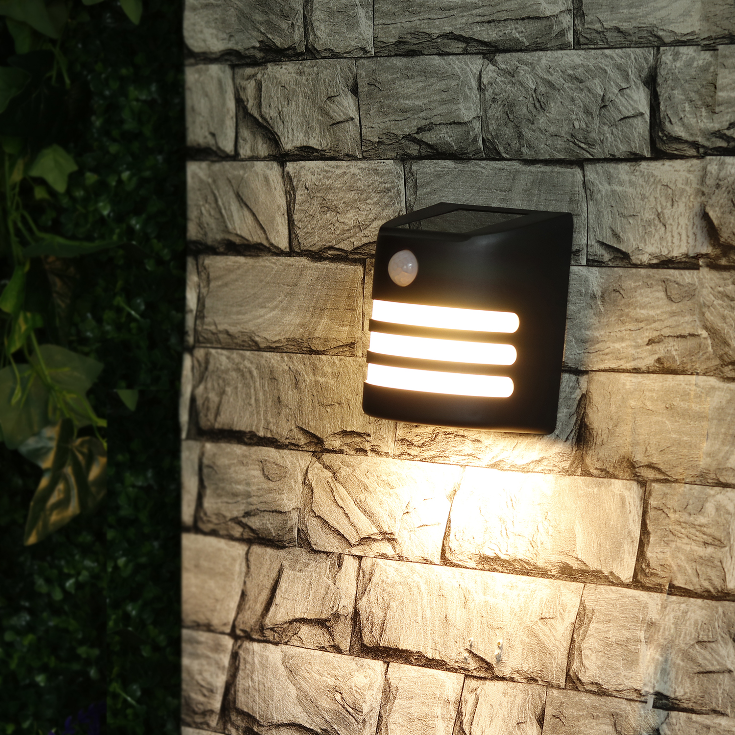 Motion Sensing Solar Fence Light